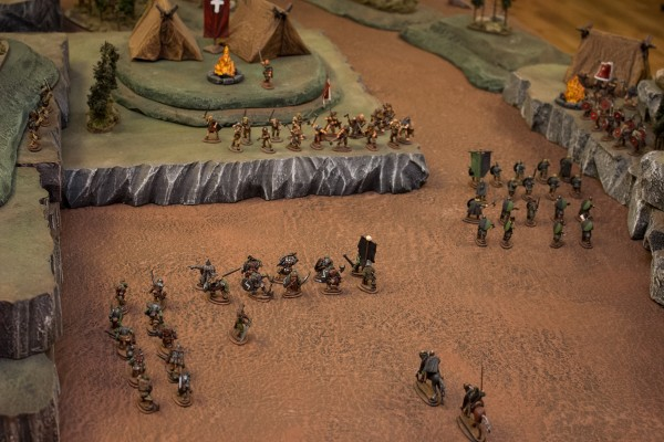 Gazzi brought his elite valdgrafs along the ridge while the League of Nil-ith Horn infantry marched into the pass.