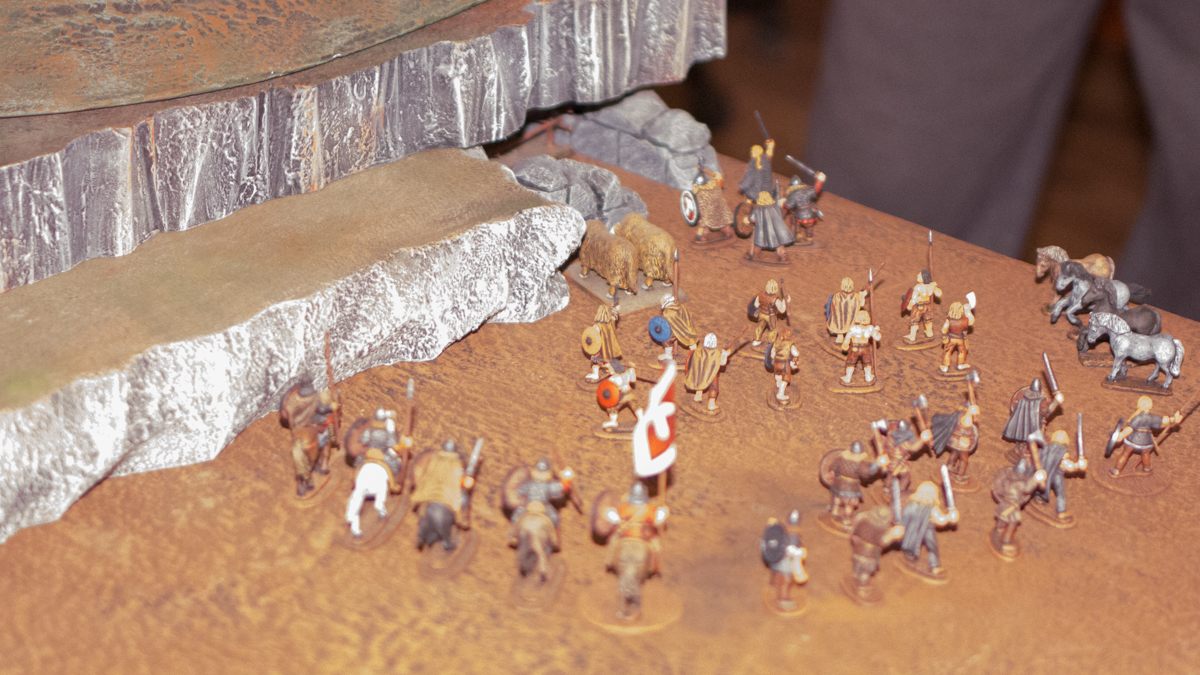 The cavalry from South Hold, bonders from Var, and militia from Rathus surrounded the entrance to the bandit's lair.